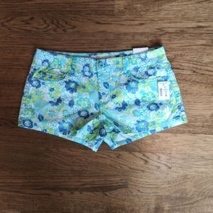 Aeropostale Floral Print Shorts 3/4 NWT